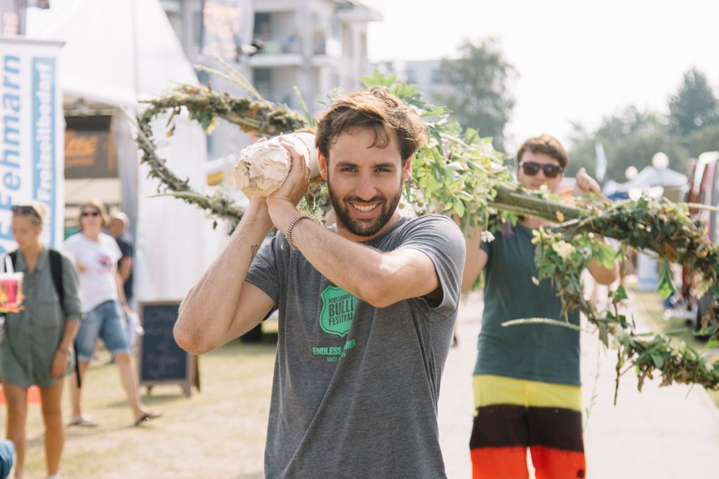 Festival-Mitarbeiter für das Midsummer Bulli Festival gesucht